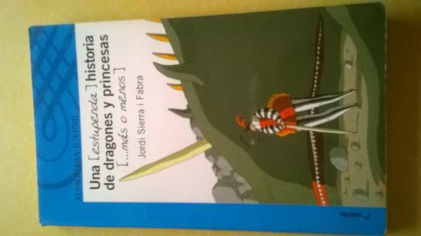 una(estupenda) historia de dragones y princesas (