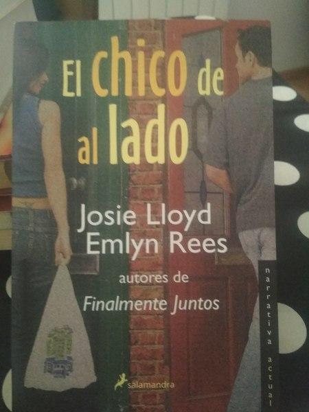 El chico de al lado, Josie Lloyd Emlyn Rees