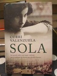 Sola, de Curri Valenzuela