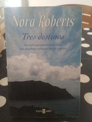 Tres destinos, Nora Roberts